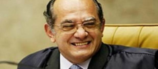 Página do PT tenta desqualificar Gilmar Mendes