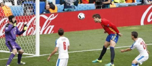 Gerard Piqué, dio la primera victoria a España