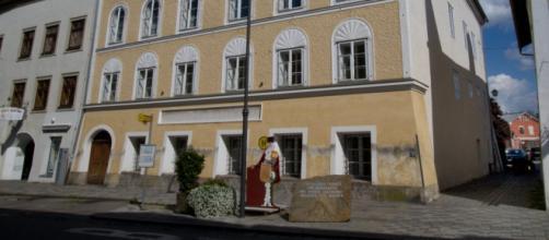 La casa natale di Hitler a Braunau in Austria