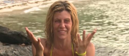 Paola Caruso conferma i gossip e si dichiara innamorata