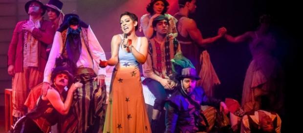 Espetáculo 'Elis - O Musical' da Aventura Entretenimento