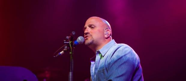 Mike DelGuidice of Big Shot performing live. Photo by Wayne Herrschaft Photography, used with permission.