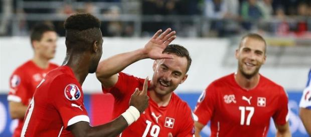 Embolo celebrando un gol con Suiza