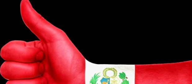 Tras gol anotado con la mano, Perú avanzó a cuartos de final en la Copa América Centenario