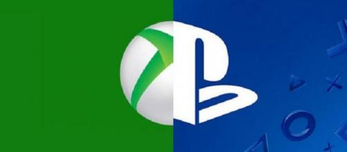 I due simboli Xbox e PlayStation insieme