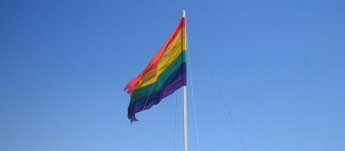 La comunidad gay del mundo llora por el atentado en Orlando