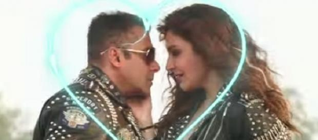 Anushka and Salman in '440 volt' song (YouTube screen grab)