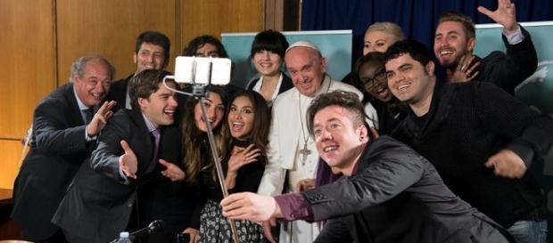 No final do mês de maio o líder do Vaticano reuniu-se com onze youtubers de todo o mundo