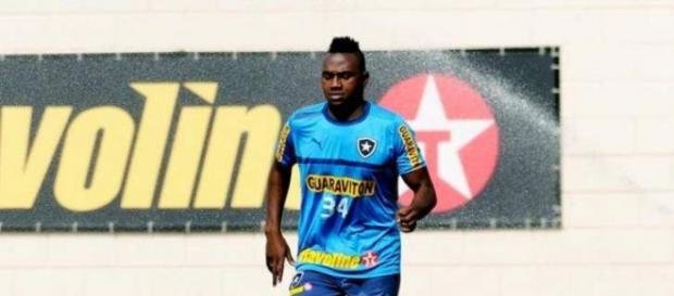 Ricardo Gomes promoveu mudanças no Botafogo