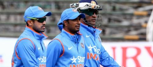 Dhoni and Rayudu after the 2nd ODI (Twitter)