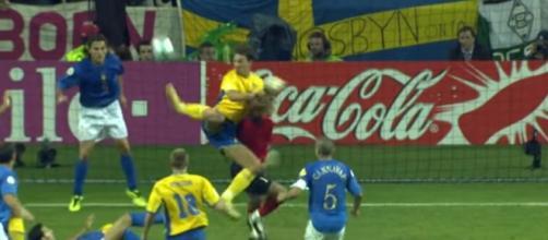 Il colpo dello scorpione di Zlatan Ibrahimović che costò l'eliminazione dell'Italia dall'europeo 2004