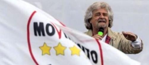 Riforma pensioni Beppe Grillo contro Matteo Renzi: no all'Ape