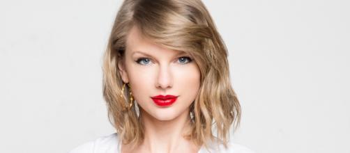 Taylor Swift y Tom Hiddleston, ¿nuevo romance? mira las fotos en la playa