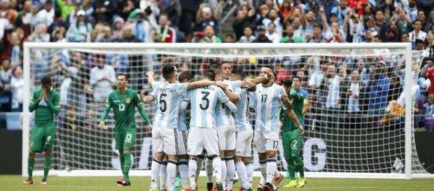 Argentina goleó 3-0 a Bolivia y lideró el Grupo D de la Copa América Centenario con puntaje perfecto