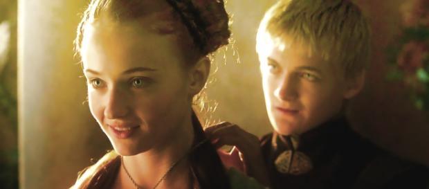 Na ideia original do autor, Sansa teria um filho com Joffrey (Foto: HBO/Youtube)