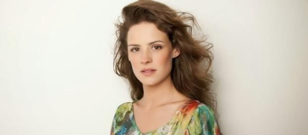 Ariela Massotti é Mylka em A Terra Prometida