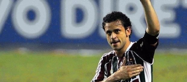 Fred, atacante do Atlético Mineiro faz gol contra o Corinthians.