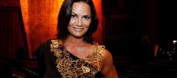 Luiza Brunet revela que teve costelas quebradas por ex-namorado