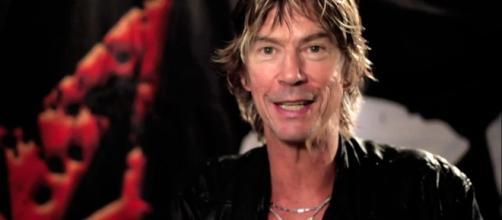 """Para Duff McKagan ver a Axl Rose cantar en AC/DC es algo """"mágico""""."""