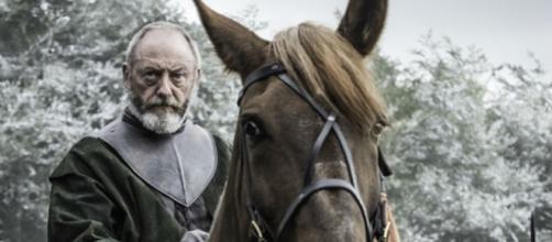 Sor Davos pronto para a batalha (Foto: HBO)