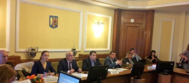 Deputații români vin în sprijinul ilegaliștilor