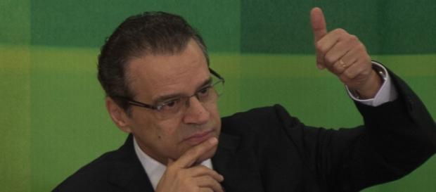 Henrique Alves não segue no Turismo