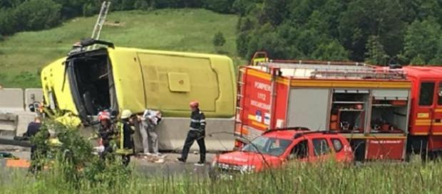 Tragedie pe DN1. Un autocar s-a răsturnat între Braşov şi Făgăraş