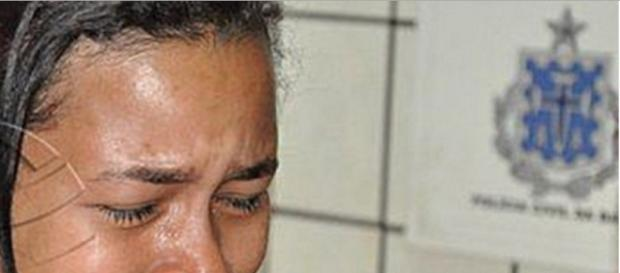 Mulher leva surra na cadeia após envenenar a filha