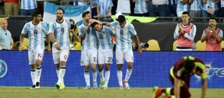Argentina goleó a Venezuela en Boston y avanzó a las semifinales de la Copa América Centenario