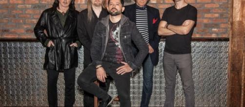 Ritchie Blackmore con los nuevos integrantes de Rainbow