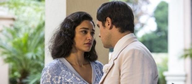 Candinho e Filó reatam o namoro (Foto: Divulgação/Globo)