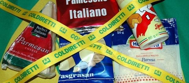 Prodotti italiani contraffatti, in una immagine della Coldiretti