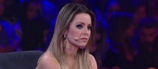 Sandy é criticada por gritar com plateia do 'SuperStar'