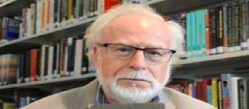 Allen Collins inventore di una formula rivoluzionaria per l'apprendimento delle lingue straniere