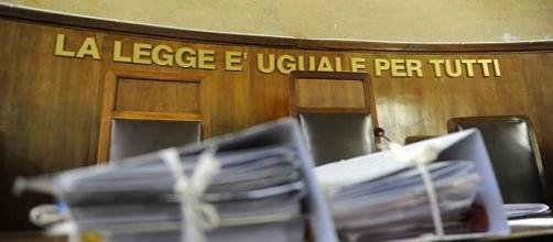 Una donna è stata rinviata a giudizio per aver venduto il proprio figlio di 7 mesi per 10mila euro