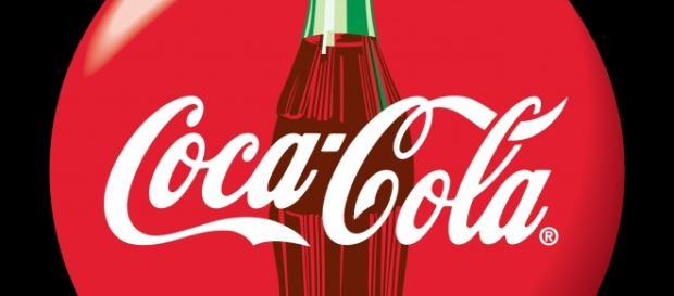 Coca-cola contrata. Imagem: logos.wikia.com