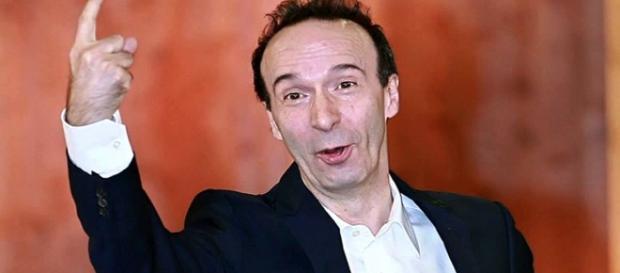 Il comico toscano Roberto Benigni si schiera in favore della riforma costituzionale, Dario Fo lo attacca