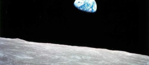 European Space Agency Director Wants to Set Up a Moon Base