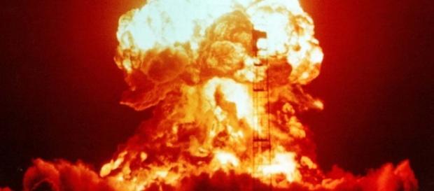 Explozia unei bombe nucleare aduce Apocalipsa