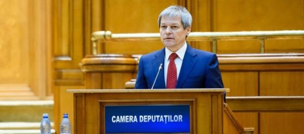 Premierul Dacian Cioloș nu vrea încă în politică!
