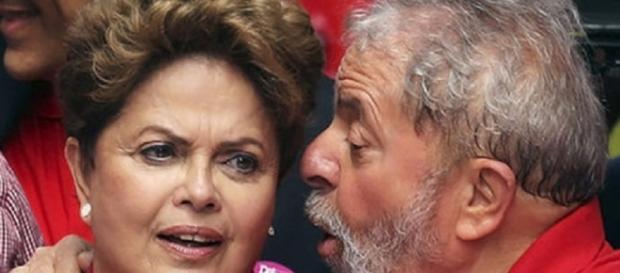 Presidente afastada Dilma Rousseff com o ex-presidente Lula