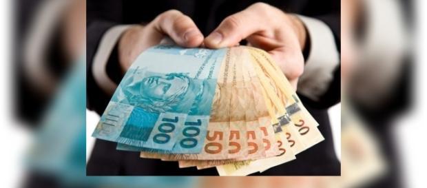 Vereadores vão receber somente 1 salário mínimo por mês