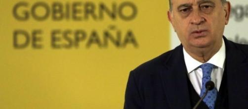 El ministro se ve envuelto en un escándalo cuatro días antes de las elecciones