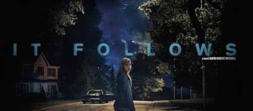 It Follows: rivelata una nuova clip dell'horror di David Robert ... - cinematographe.it