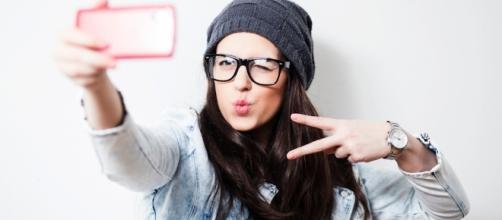 Médicos alertam: selfie é prejudicial à beleza
