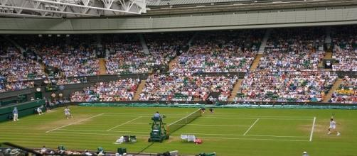 Wimbledon centre court in 2015/ Photo: Kate (Flickr) CC BY-SA 2.0