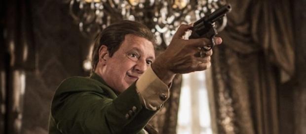 Afrânio aponta arma para Santo (Foto: Divulgação/Globo)