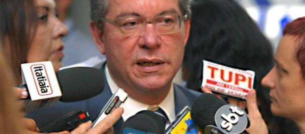 José Aníbal reagiu à hostilidade em aeroporto