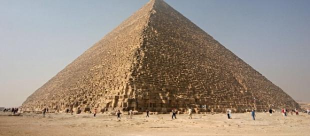 Mistere descifrate la Marea Piramida