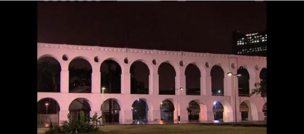 A quadrilha agia na Lapa à noite (Foto: Rede Record)